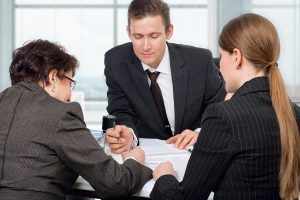 What are the duties of a consultant